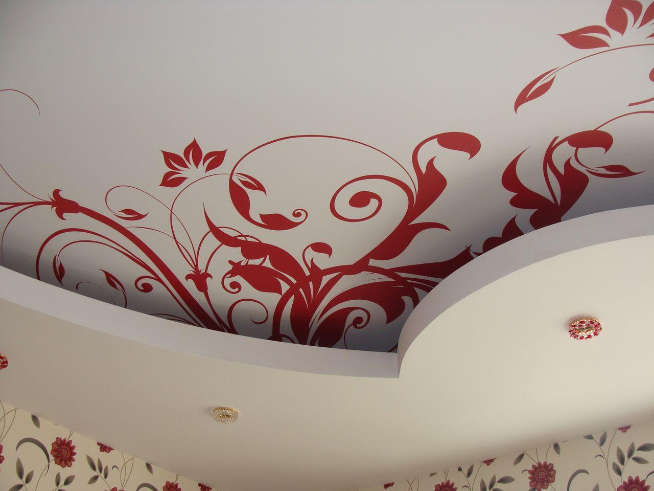 Натяжной потолок тканевый с рисунком