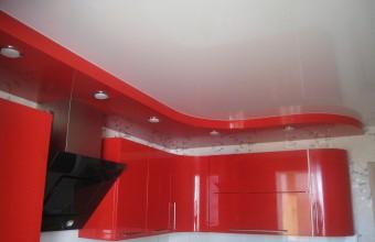натяжные потолки на кухне цена фото